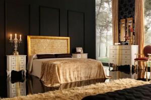 Dormitorio clásico dorado en Zaragoza