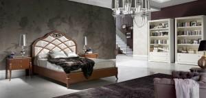 Dormitorio clásico cabecero grande de cristal en Zaragoza