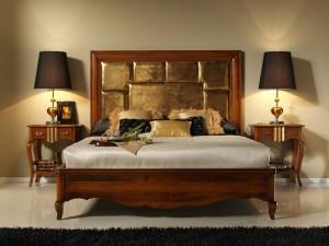 Dormitorio clásico cama de madera en Zaragoza