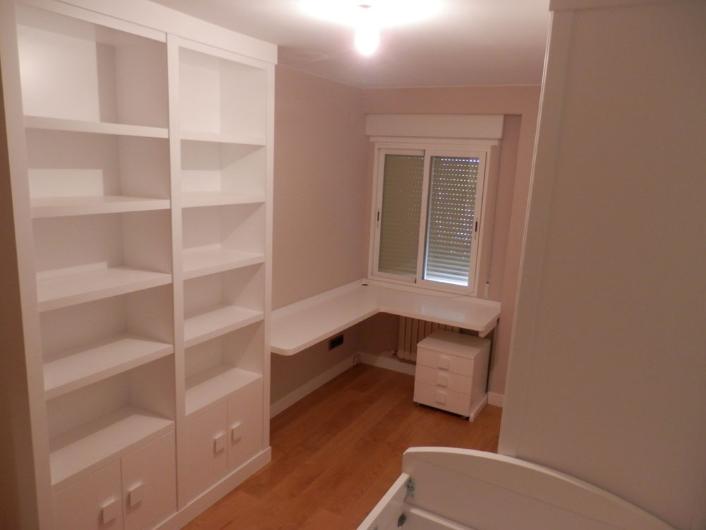 25 dormitorio infantil juvenil lacado madera mundo madera for Muebles infantiles a medida