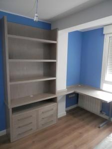 Estantería y escritorio juvenil en Zaragoza