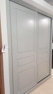 Puertas correderas mueble empotrado