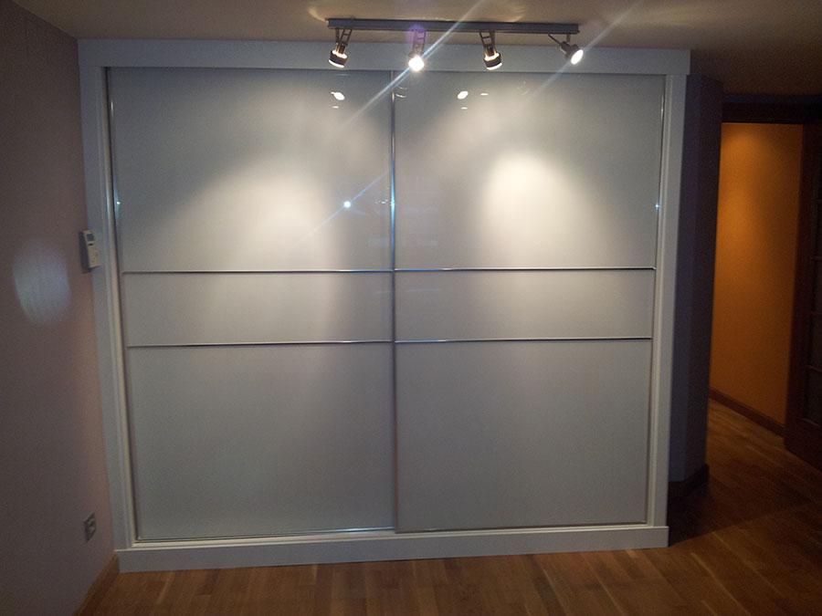 Puertas correderas para armarios empotrados great puertas - Puertas correderas o abatibles ...
