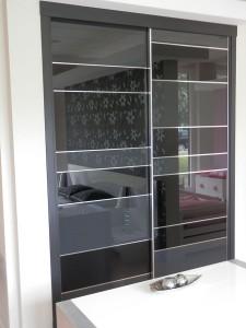Puertas correderas con espejo para mueble empotrado dormitorio