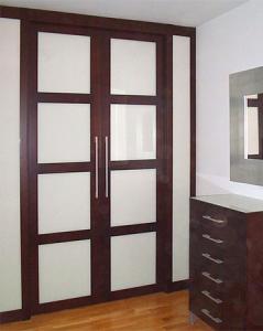 Puertas correderas para muebles empotradas a medida. Mundo Madera. Zaragoza