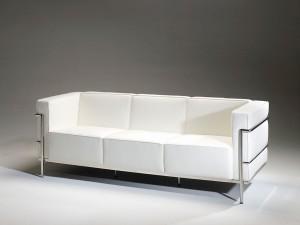 Sofá blanco tres plazas