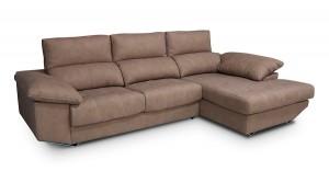 Sofá marrón tres plazas