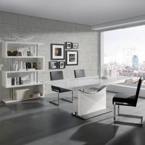 Mesa blanca moderna