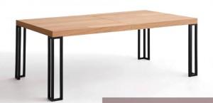 Mesa de salón de madera clara patas metálicas
