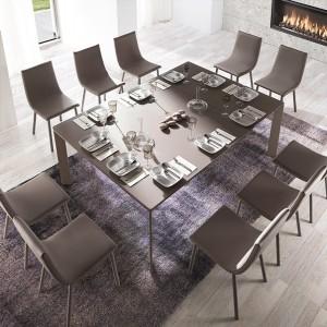 Mesa amplia para comedor