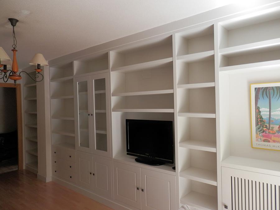 Mueble blanco de salón a medida. Mundo Madera. Zaragoza