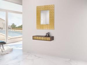 Mueble auxiliar colgado y espejo dorados